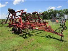 Case IH 4800 Vibra Shank 24' Field Cultivator W/3 Bar Harrow