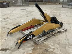 Caterpillar 440 Backhoe Loader Frame & Hydraulic Components