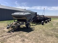 Hiniker 5800 Cart & 6150 Air Drill