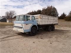1979 Ford C600 T/A Cabover Grain Truck