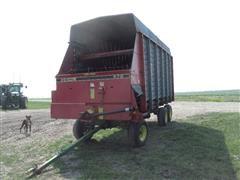 Gehl 970 Six Wheel Silage Wagon