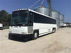 1995 MCI 102-D3 Bus
