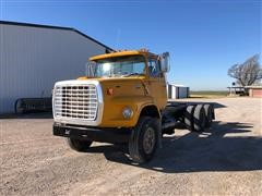 1982 Ford 8000 Cab & Chassis Truck