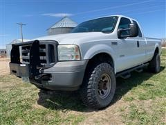 2005 Ford F350 XL Super Duty 4x4 Extended Cab Pickup