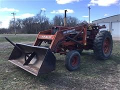 1967 International Farmall 856 2WD Tractor W/DU-AL 3100 Loader & Bale Spear