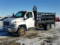2005 GMC C4500 Dually Flatbed Truck W/Liftgate