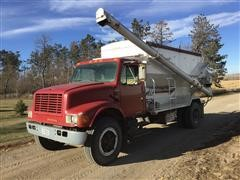 1990 International 4700 Bulk Feed Truck