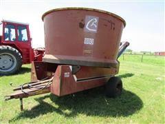 Farmhand F880B Tub Grinder