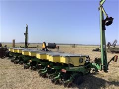 John Deere 1730 MaxEmerge Plus VacuMeter Planter