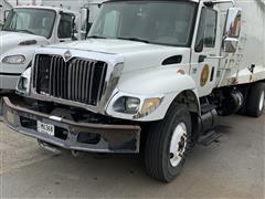 2005 International WorkStar 7400 S/A Garbage Truck