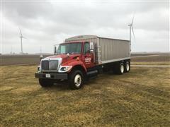 2002 International WorkStar 7400 T/A Grain Truck