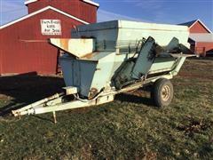 Schwartz 760 Feeder Mixer Wagon