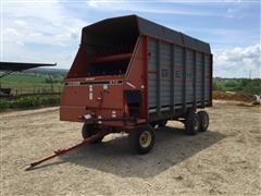 Gehl 970 Gehl Forage Wagon
