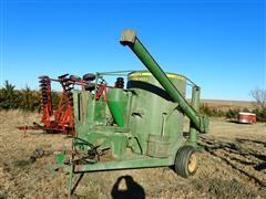 John Deere 750 Hay/Grain Mixer
