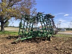 John Deere 980 42' Field Cultivator