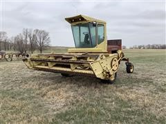 Sperry New Holland 1112 Self-Propelled Swather