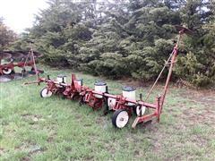 International 185 4R38 Planter