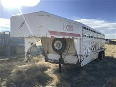 2006 Featherlite 5320 T/A Steel Livestock Trailer