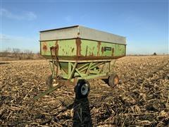 Parker 2500 Gravity Wagon W/John Deere 1065 Running Gear