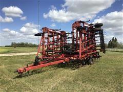 Case IH Tiger-Mate II Field Cultivator