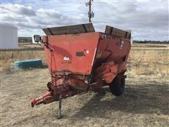 Butler /Oswalt 230 Feed Wagon