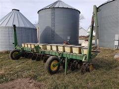 John Deere 7100 12 Row Bean Planter