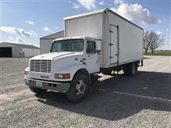 2000 International 4700 S/A Box Truck
