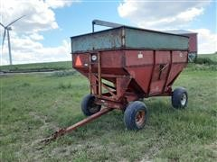 1988 J&M 350 - 20. 1074 Side Delivery Gravity Wagon