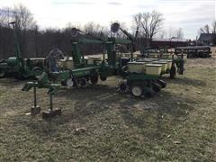 John Deere 7000 12R30 Planter