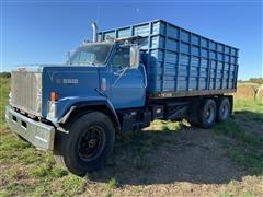 1985 GMC Brigadier T/A Grain Truck W/Hoist