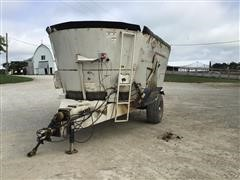 KUHN Knight 5173 Vertical Maxx Feed Wagon