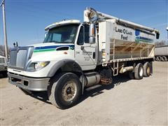 2007 International 7600 T/A Bulk Feed Truck