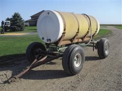 1,000 Gallon Poly Tank Mounted On Running Gear