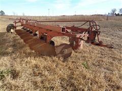 McCormick International 700 6-Bottom Plow