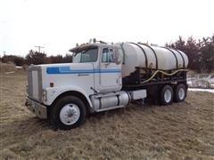 1987 International F9370 T/A Liquid Tender Truck