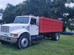 2000 International 4900 S/A Grain Truck