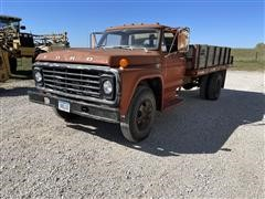 1973 Ford F600 S/A Flatbed Dump Truck