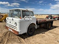 1962 Ford C700 Flatbed Truck (INOPERABLE)