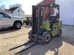 Clark GPX25 Forklift