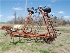 Allis-Chalmers 1300 Field Cultivator