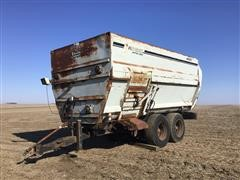 Knight Botec 4090 Feeder Mixer Wagon