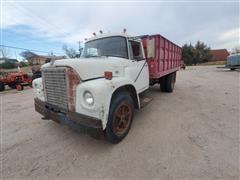 1971 International 1600 S/A Grain Truck