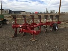 Case IH 165 7-Bottom Rollover Plow