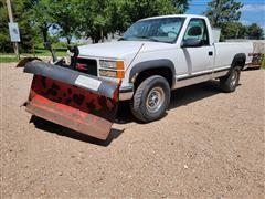 2000 GMC Sierra K2500 4x4 Pickup W/V Plow