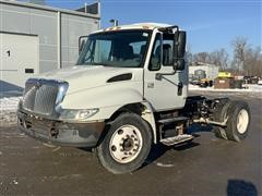 2003 International 4200 S/A Cab & Chassis