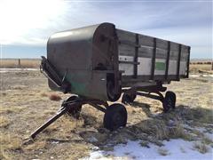 Oliver 500 Feeder Wagon