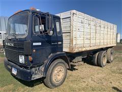 1982 Mack MS200P Mid-Liner T/A Grain Truck