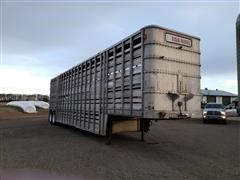 1982 Chamberlin JADCL-7801 T/A Livestock Trailer