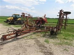Wil-Rich 3100 Field Cultivator