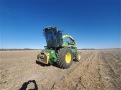 2000 John Deere 6950 Forage Harvester